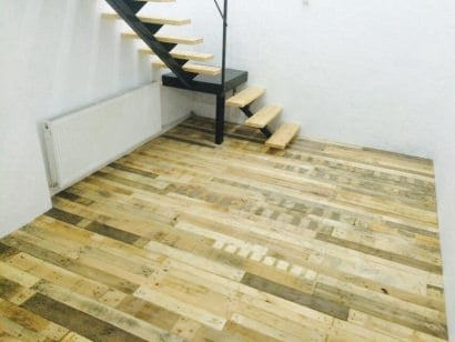 Floor made out of pallets