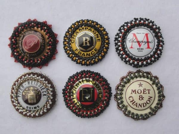 Jewelry made of old crown caps Upcycled Jewelry Ideas