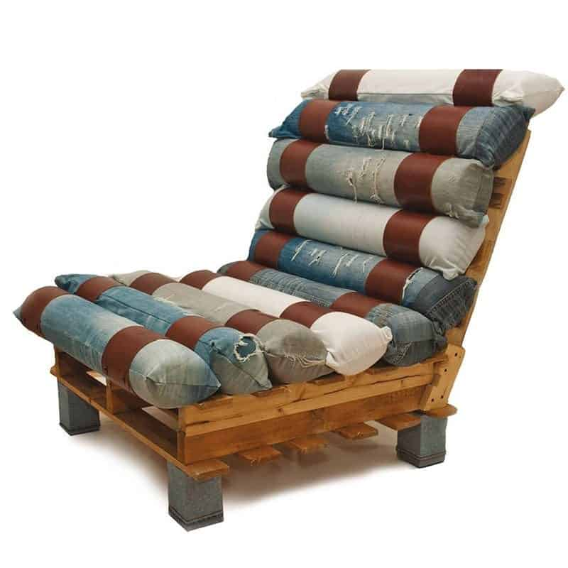 Lounge chair made out of pallets and denim recycled - Fauteuil de jardin en palette ...