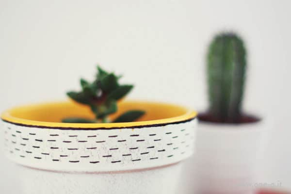 Diy: Terracotta Vase Restyling Accessories Do-It-Yourself Ideas