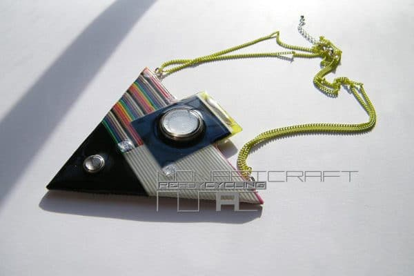Jewelry And Accessories Made From Recycled Electronic Parts Accessories Recycled Electronic Waste Upcycled Jewelry Ideas