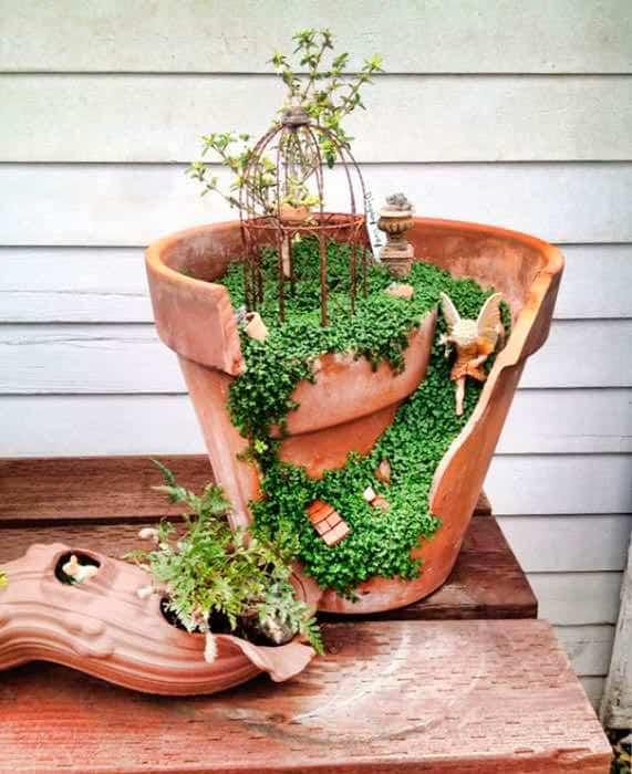 Beautiful Idea For Reusing Broken Clay Pot / Lindas Ideias Para Reaproveitar Vasos De Flores Do-It-Yourself Ideas Garden Ideas