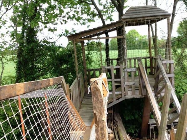 Garden Kids Playhouse From Recycled Pallets Garden Ideas Recycled Pallets
