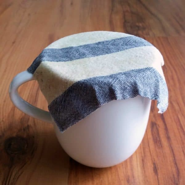 Use Less Plastic - Make Waxed Cloth Do-It-Yourself Ideas