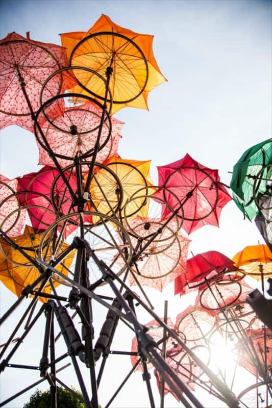 Pavilion Constructed out of Broken Umbrellas and Bicycle Wheels Home Improvement Interactive, Happening & Street Art