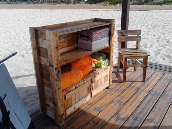 Beach Massage Stand Made Out Of Recycled Pallets Recycled Pallets