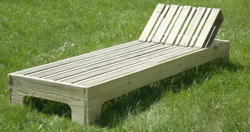 Diy garden lounge chair video tutorial recycled - Chaise longue en palette bois ...