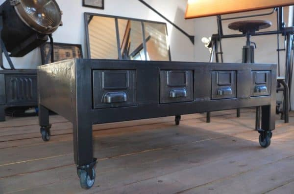 Table Basse Industrielle : Industrial Coffee Table With Drawers / Table Basse Industrielle À ...