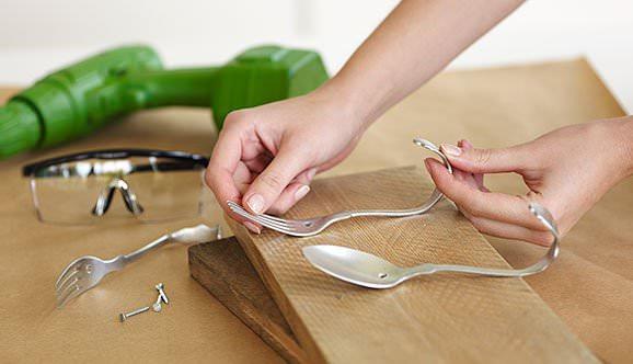 Diy: Beautiful Cutlery Hanging Rack Accessories Do-It-Yourself Ideas