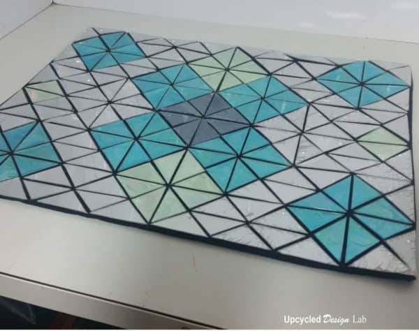 Add Some Bling To Your Table – Placemats From Upcycled Cd's Accessories Recycled Electronic Waste