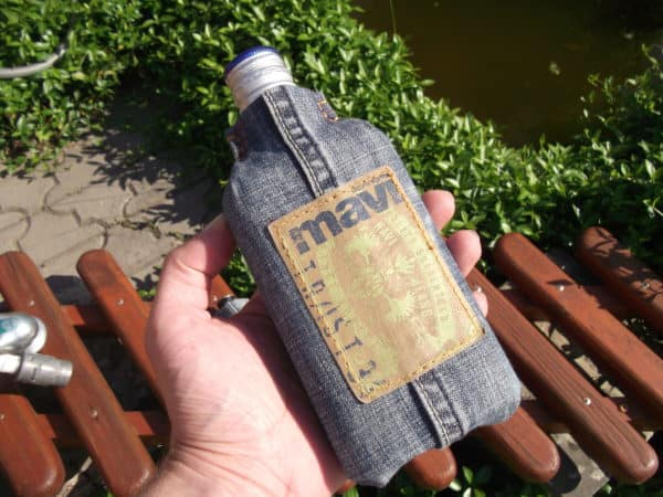 How To Make Flask From Your Favourite But Old Jeans And A Glass Bottle Do-It-Yourself Ideas Recycled Glass