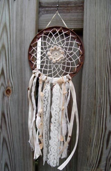 Recycled Coffee Can Rims Into Dream Catchers