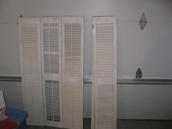 Old Shutters to Headboard Do-It-Yourself Ideas Recycled Furniture