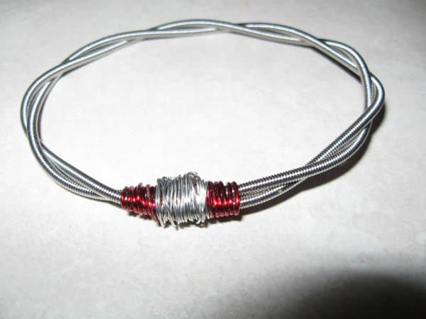 Guitar String Bracelet Do-It-Yourself Ideas Recycled Electronic Waste Upcycled Jewelry Ideas