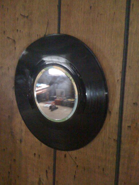 Vinyl Mirror Do-It-Yourself Ideas Recycled Furniture Recycled Vinyl