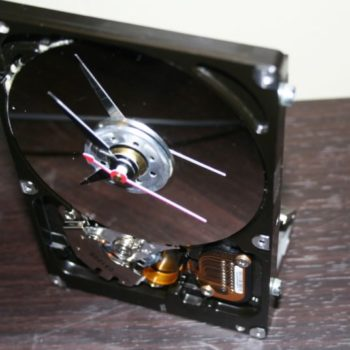 Recycled Computer Hard Drive Into Desk Clock