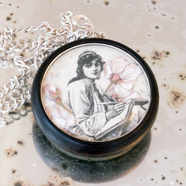 Beautiful Jewelry From Forgotten Books & Unloved Objects Accessories Upcycled Jewelry Ideas