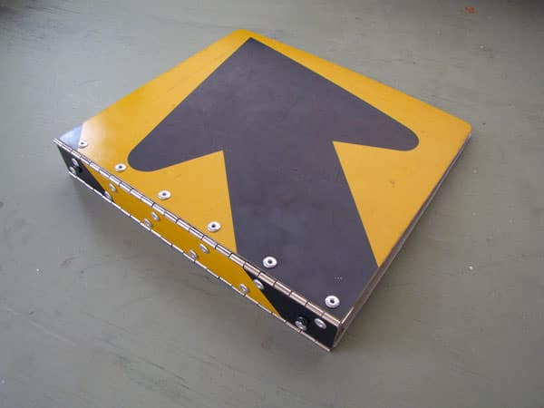 Binder Made From Old Road Sign Accessories Do-It-Yourself Ideas