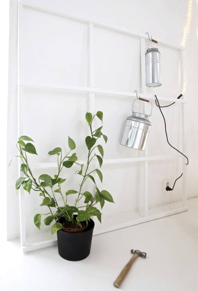 Decorate with Old Windows Accessories Do-It-Yourself Ideas