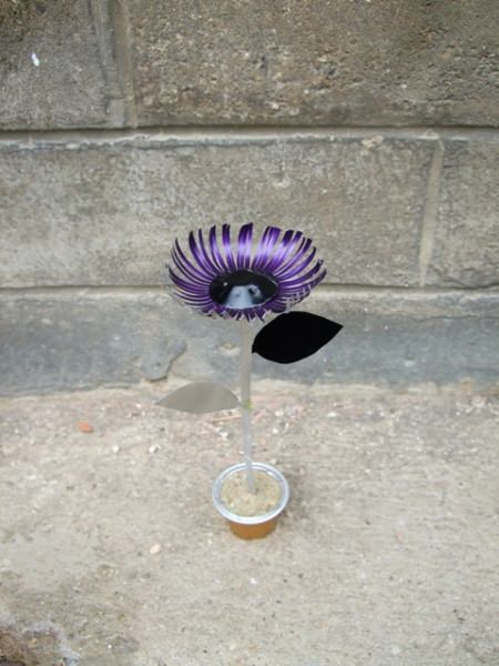 Nespresso Caps Upcycled Into Flowers Recycled Art Recycled Packaging