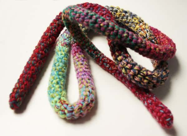 Skipping-rope with Leftover Yarn Clothing Do-It-Yourself Ideas