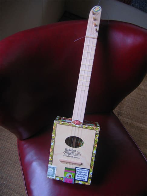 cigar box ukulelele