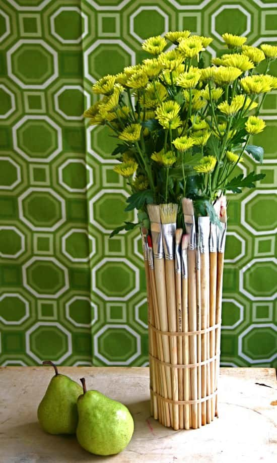 Upcycled Paint Brushes Into Vase Accessories
