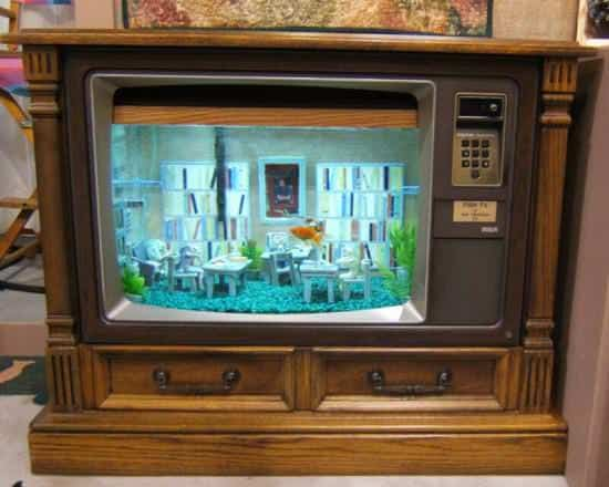 Vintage TV Into Fish Tank Recycled Electronic Waste