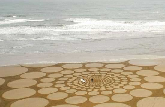Sand Art by Jim Denevan Interactive, Happening & Street Art Recycled Art Wood & Organic