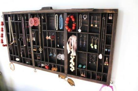Drawer --> Jewelry Display