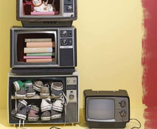 Diy: TV Shelf Do-It-Yourself Ideas Recycled Electronic Waste Recycled Furniture