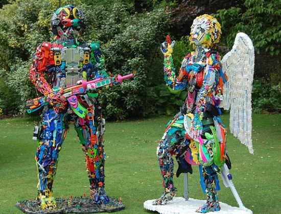 Robert Bradford 3d Plastic Sculptures Recyclart