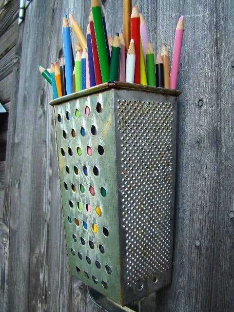 Diy : Cheese Grater Pencil Holder Accessories Do-It-Yourself Ideas Recycling Metal