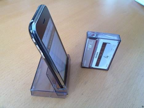 Upcycled Iphone Stand / Dock Accessories Do-It-Yourself Ideas Recycled Electronic Waste