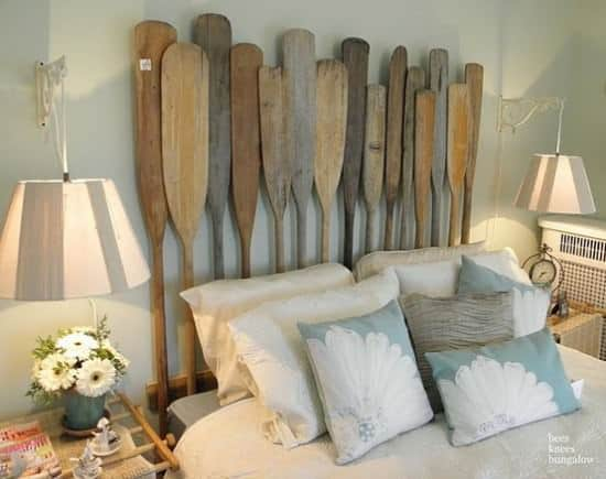 15 Vintage Oars Upcycled As Headboard