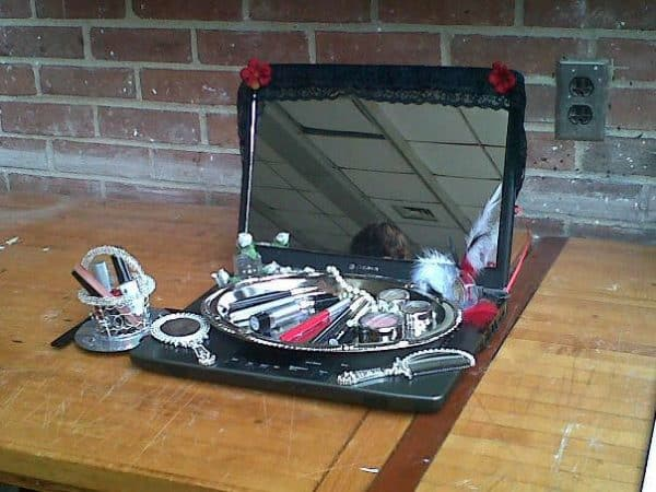 Laptop Vanity Do-It-Yourself Ideas Recycled Art Recycled Electronic Waste