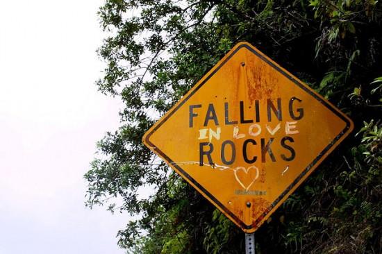 Falling (In Love) Rocks! Interactive, Happening & Street Art