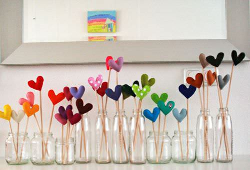Valentine's Day Ideas from Recycled Materials Do-It-Yourself Ideas