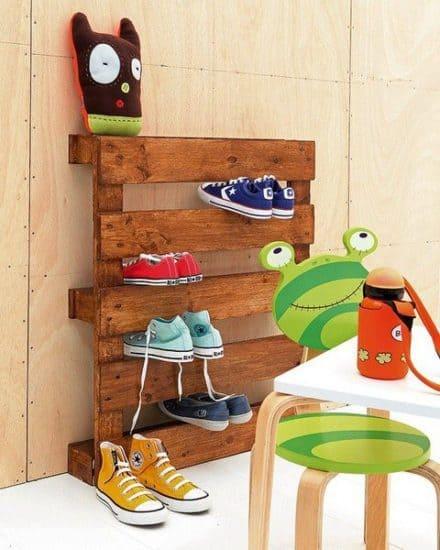 The Most Simple Pallet Shoe Rack