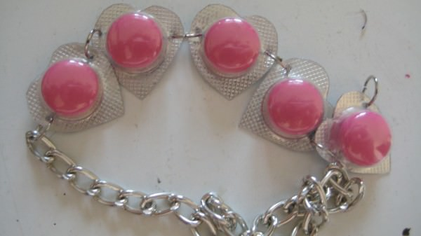 Expired Pills Bracelets Accessories Do-It-Yourself Ideas Upcycled Jewelry Ideas