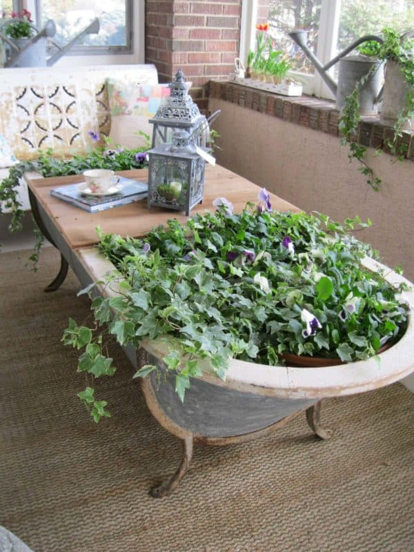 Old Bath –> Planter + Coffee Table for Your Patio Do-It-Yourself Ideas Recycled Furniture
