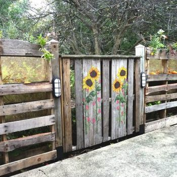 Pallets Patio Fence