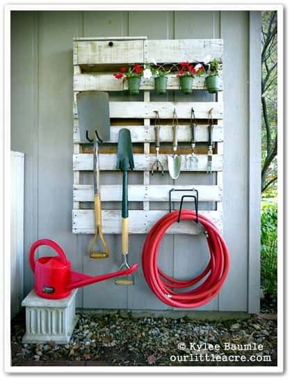 Pallet Garden Tools Hanger Do-It-Yourself Ideas Recycled Pallets