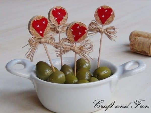 Recycling Corks – Idea for Valentine's Day Do-It-Yourself Ideas Recycled Cork