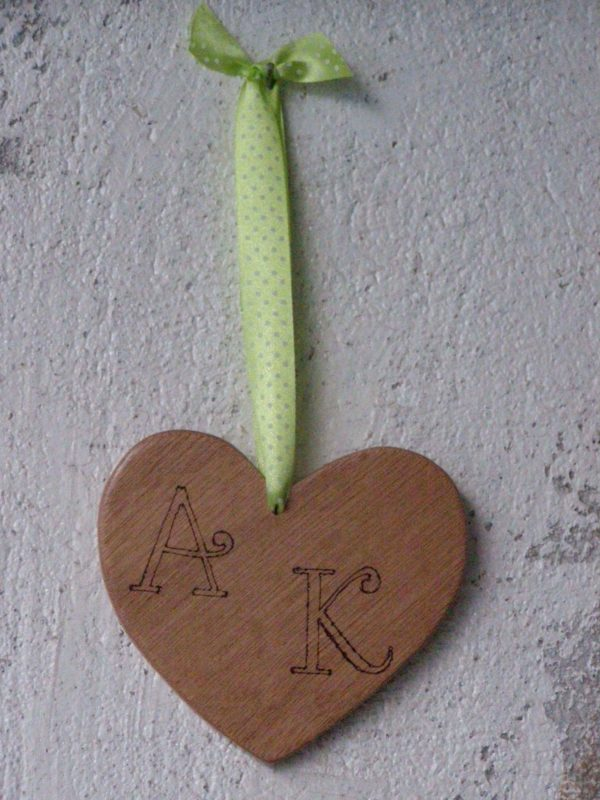 Handmade Wooden Hearts Do-It-Yourself Ideas Wood & Organic