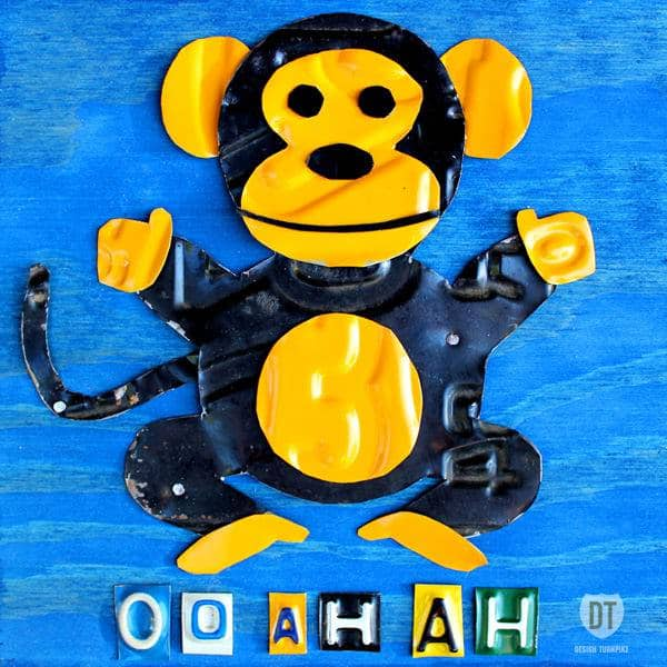 oo_ah_ah_the_monkey_license_plate_art_600