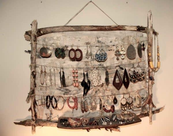 Rustic Jewellery Holder • Recyclart