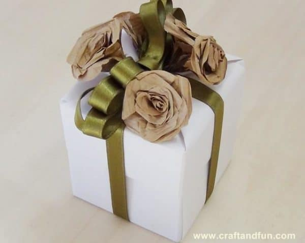Diy: Wedding Favors Do-It-Yourself Ideas Recycling Paper & Books