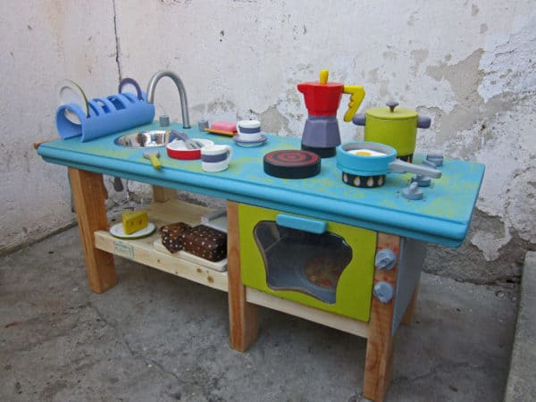 kid's-kitchen