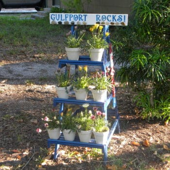 Old wooden ladder turned into cool planters